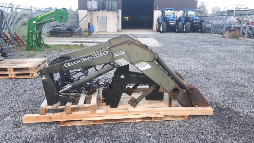 Quicke Q330 loader