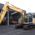 2005 New Holland E145