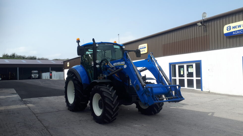 2015 New Holland T5.95